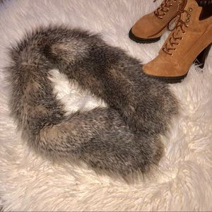 {Unbranded} Trendy Raccoon Collar Scarf